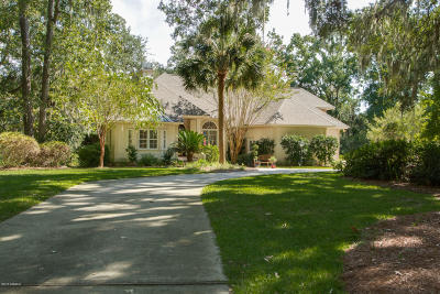 Beaufort County Single Family Home For Sale: 2 Chechessee Circle
