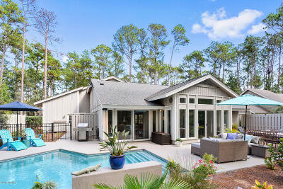 Beaufort County Single Family Home For Sale: 47 Honey Locust Circle