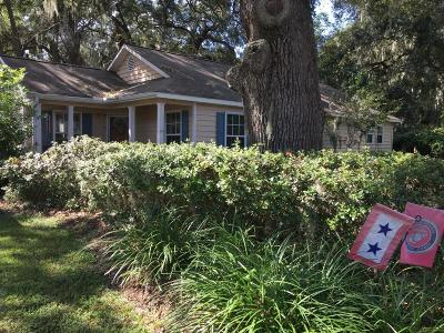 Beaufort County Single Family Home For Sale: 939 Oyster Cove Road
