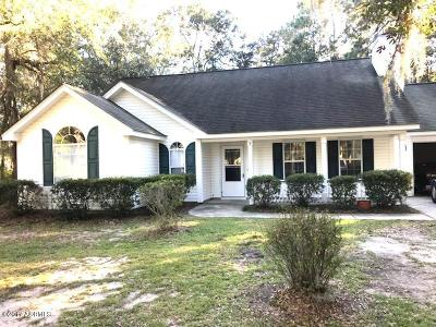 Beaufort County Single Family Home For Sale: 9 Brickyard Hills Drive