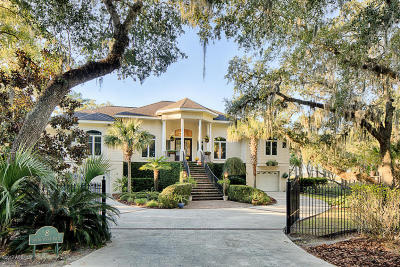 Beaufort County Single Family Home For Sale: 8 S Point Trail