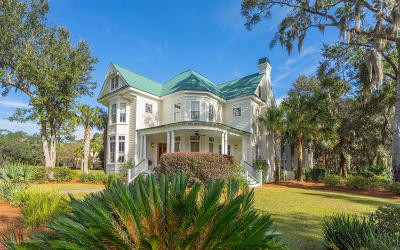 Beaufort County Single Family Home For Sale: 106 Coosaw Club Drive