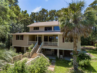 Beaufort County Single Family Home For Sale: 9 Crippled Oak Road