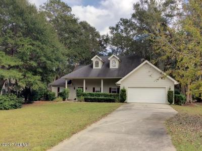 Beaufort County Single Family Home For Sale: 30 Brickman Way