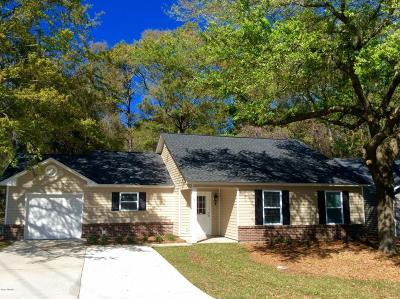 Beaufort County Single Family Home For Sale: 1 Brindlewood Drive