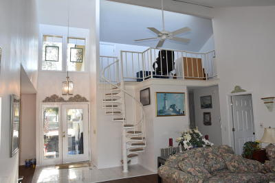 Beaufort County Single Family Home For Sale: 6 Fairway Club Drive