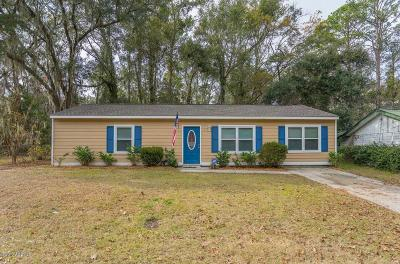 Beaufort Single Family Home For Sale: 3 Twin Lakes Drive