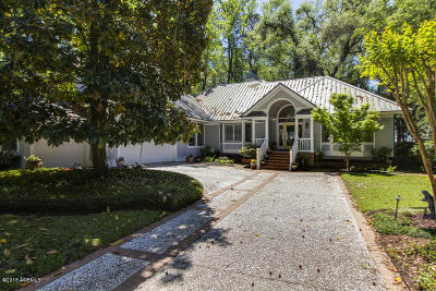 Beaufort County Single Family Home For Sale: 205 Odingsell Court