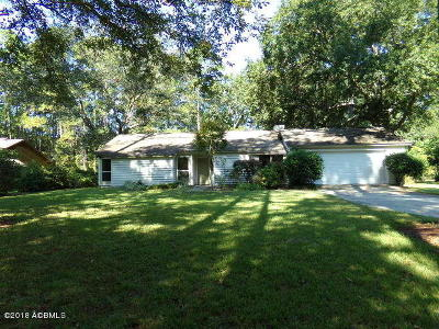 Beaufort County Single Family Home For Sale: 43 Wade Hampton Drive