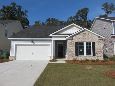 Bluffton Single Family Home For Sale: 124 Sago Palm Drive