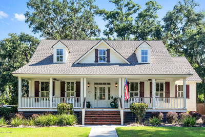 Beaufort County Single Family Home For Sale: 15 Timber Trail