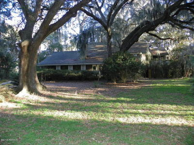 Beaufort County Single Family Home For Sale: 37 Winding Oak Drive