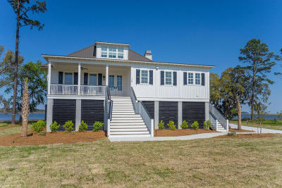 Seabrook Single Family Home For Sale: 19 Reserve Drive