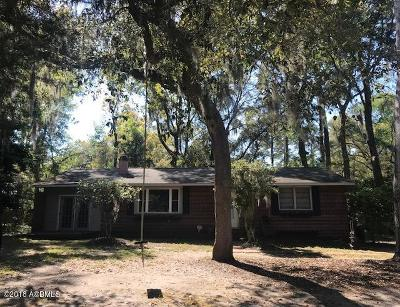 Beaufort County Single Family Home For Sale: 612 Center Drive E