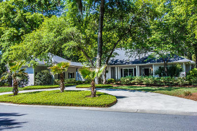 Beaufort County Single Family Home For Sale: 702 Island Circle E