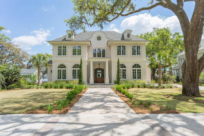 Single Family Home For Sale: 845 Ribaut Road