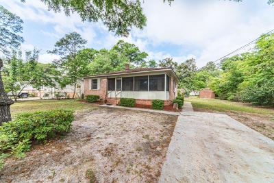 Baufort, Beaufort, Beaufot, Beufort Single Family Home Under Contract - Take Backup: 903 Belleview Circle W