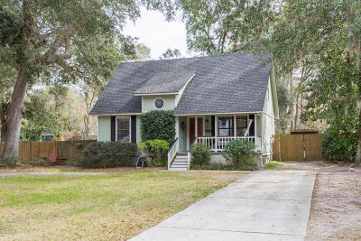 Beaufort County Single Family Home For Sale: 4 Ashley Drive