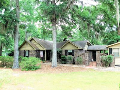 Lady's Island Single Family Home For Sale: 222 Brickyard Point Road S