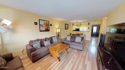 Baufort, Beaufort, Beaufot, Beufort Condo/Townhouse For Sale: 510 Candida Drive