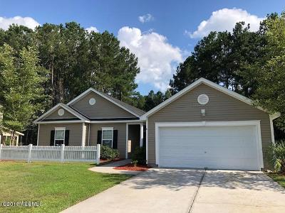 Beaufort County Single Family Home For Sale: 8 Running Oak Drive