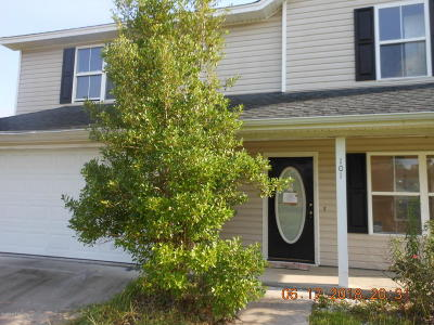 Beaufort County Single Family Home For Sale: 101 Wintergreen Drive