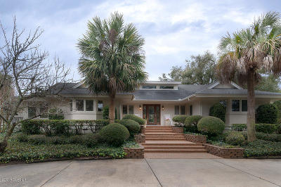 Hilton Head Island Single Family Home For Sale: 3 Everglade Place