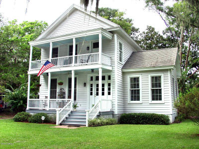 Beaufort County Single Family Home For Sale: 906 8th Street