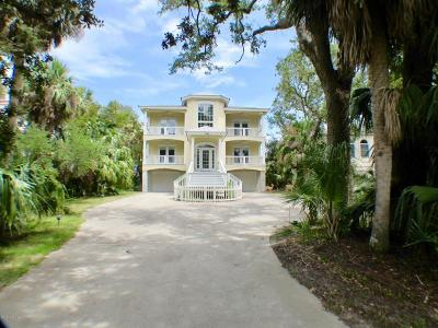 Beaufort County Single Family Home For Sale: 14 River Club Drive