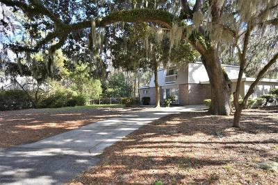 Beaufort County Single Family Home For Sale: 2805 W Royal Oaks Drive