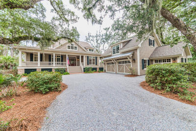 Beaufort County Single Family Home For Sale: 12 S Oak Forest Drive