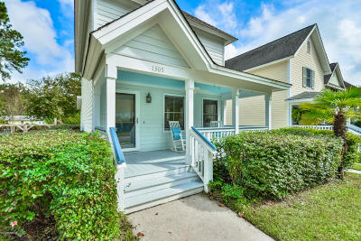 Beaufort County Single Family Home For Sale: 1305 Broad Street