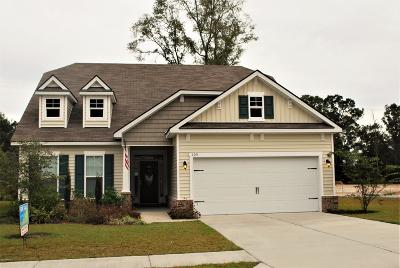 Bluffton Single Family Home For Sale: 105 Sago Palm Drive