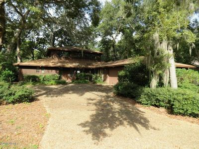 Beaufort County Single Family Home For Sale: 5 Saw Timber Drive