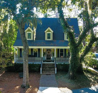 Beaufort County Single Family Home For Sale: 13 Burckmyer Drive