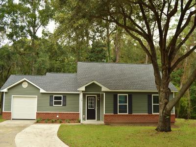Beaufort County Single Family Home For Sale: 19 Brindlewood Drive