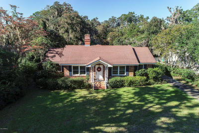 Beaufort County Single Family Home For Sale: 750 Ribaut Road