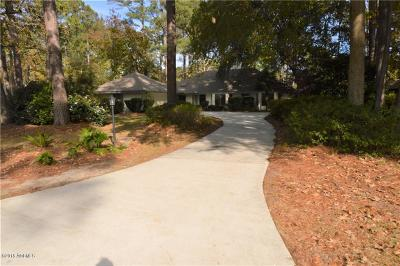 Beaufort County Single Family Home For Sale: 37 Fairway Drive