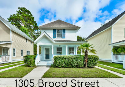 Beaufort County Single Family Home Under Contract - Take Backup: 1305 Broad Street