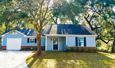 Beaufort County Single Family Home For Sale: 26 Brindlewood Drive