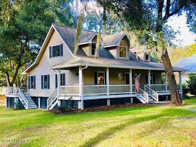 Beaufort County Single Family Home For Sale: 19 Barnwell Drive