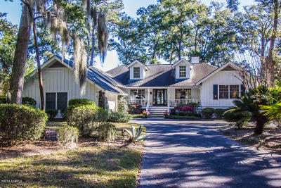 Beaufort County Single Family Home For Sale: 14 Doe Point