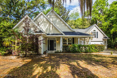 Beaufort County Single Family Home For Sale: 11 Ashley Drive