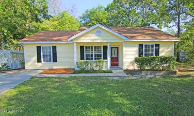 Beaufort County Single Family Home For Sale: 12 Star Magnolia Court