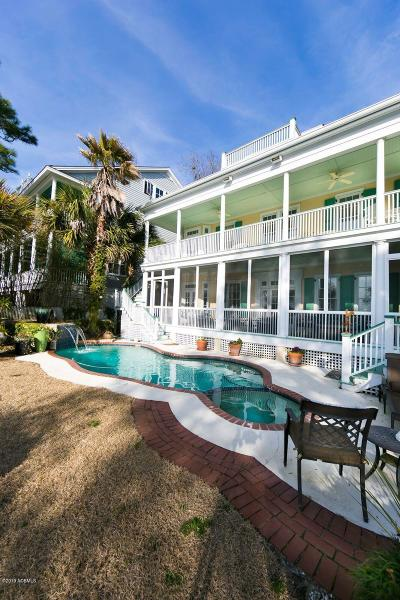 Beaufort County Single Family Home For Sale: 19 Waterside Drive