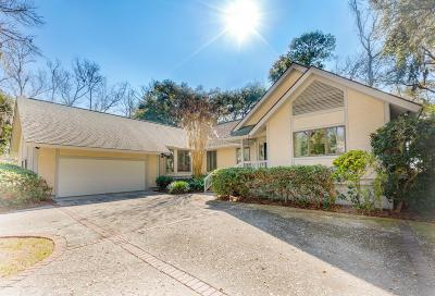 Beaufort County Single Family Home For Sale: 203 Odingsell Court