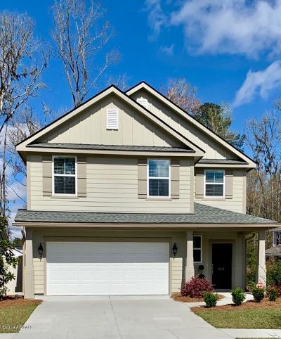 Bluffton Single Family Home For Sale: 202 Mulberry Grove Lane