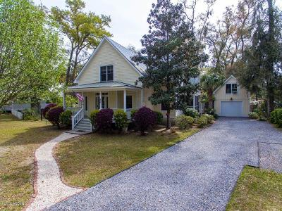 Shell Point Single Family Home For Sale: 890 Magnolia Bluff Circle