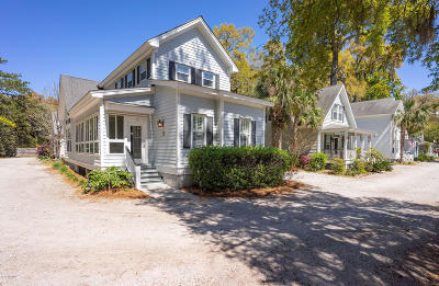 Beaufort County Single Family Home For Sale: 1 Crows Nest Avenue