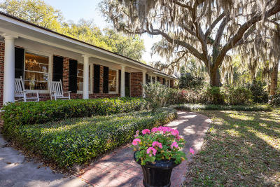 Beaufort County Single Family Home For Sale: 122 Fort Lyttleton Road